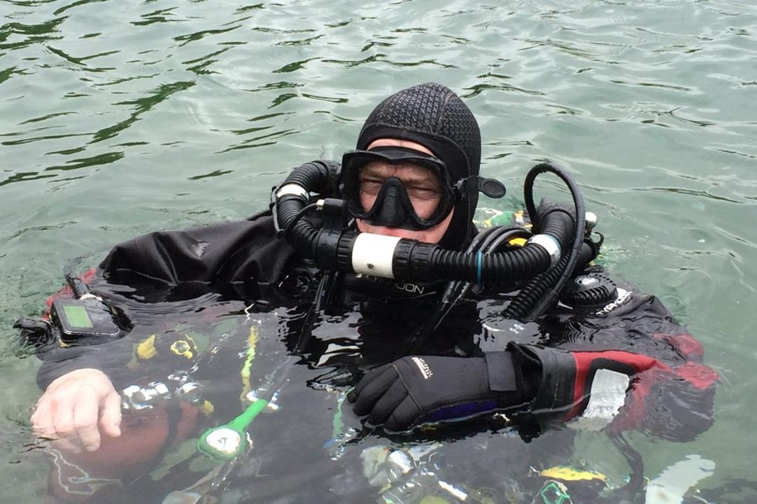 Mixed gas rebreather diving